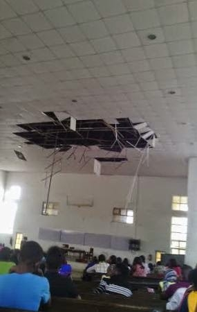 OAU Students Ask The School Authority To Fix Their Broken Cailing [See Photos]